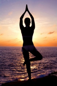 Yoga-Pose-standing-sunset
