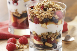 FruitGranolaYogurtParfait